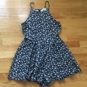 Garage black and white floral romper